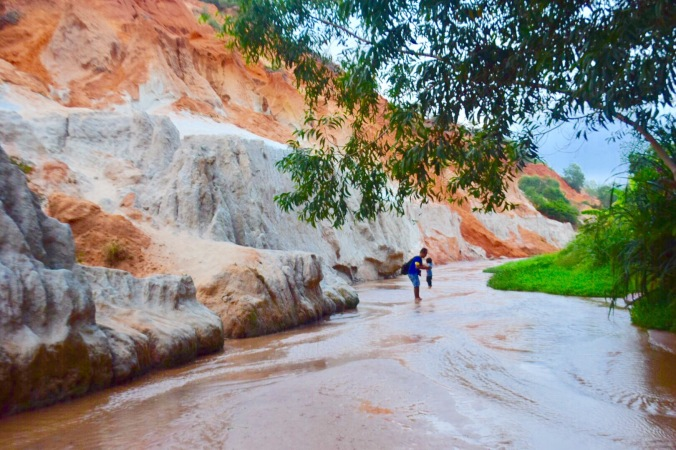 Fairy Stream, Mui Ne, Vietnam , toddler in Mui Ne, toddler in Fairy stream