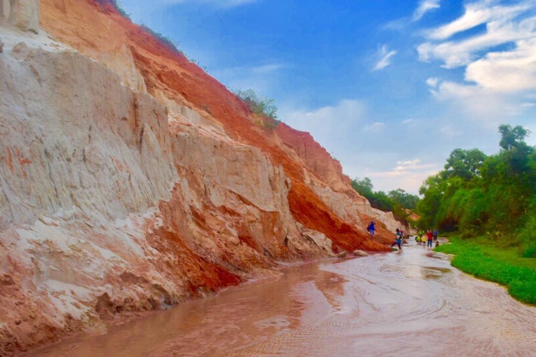 Fairy Stream, Mui Ne, Vietnam,toddler in mui ne, toddler in red sand dunes, mui ne trip , mui ne red sand dunes, fairy stream