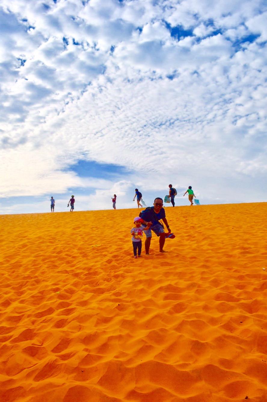 Red Sand Dunes, Mui Ne, Vietnam, day trip mui ne, toddler in mui ne, toddler in red sand dunes