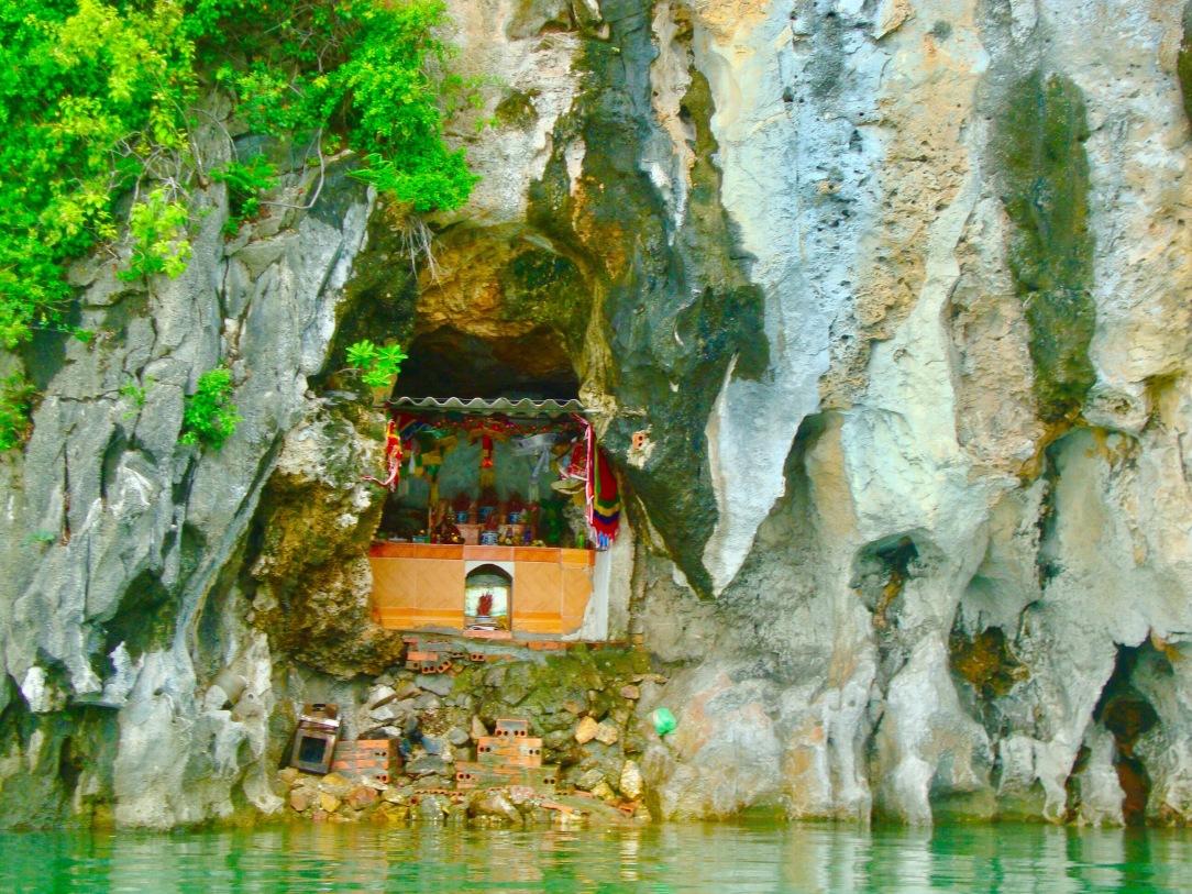 Halong bay, vietnam, halong bay day trip, halong, temple