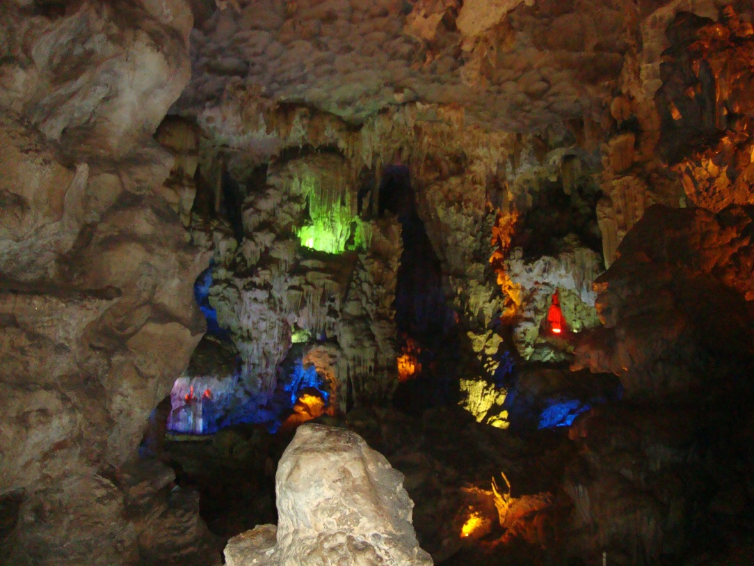 halong bay cave, halong bay, day trip in halong bay , vietnam