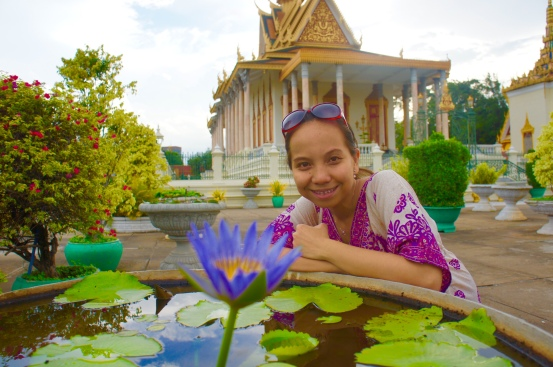 Things to do in phnom penh,royal palace